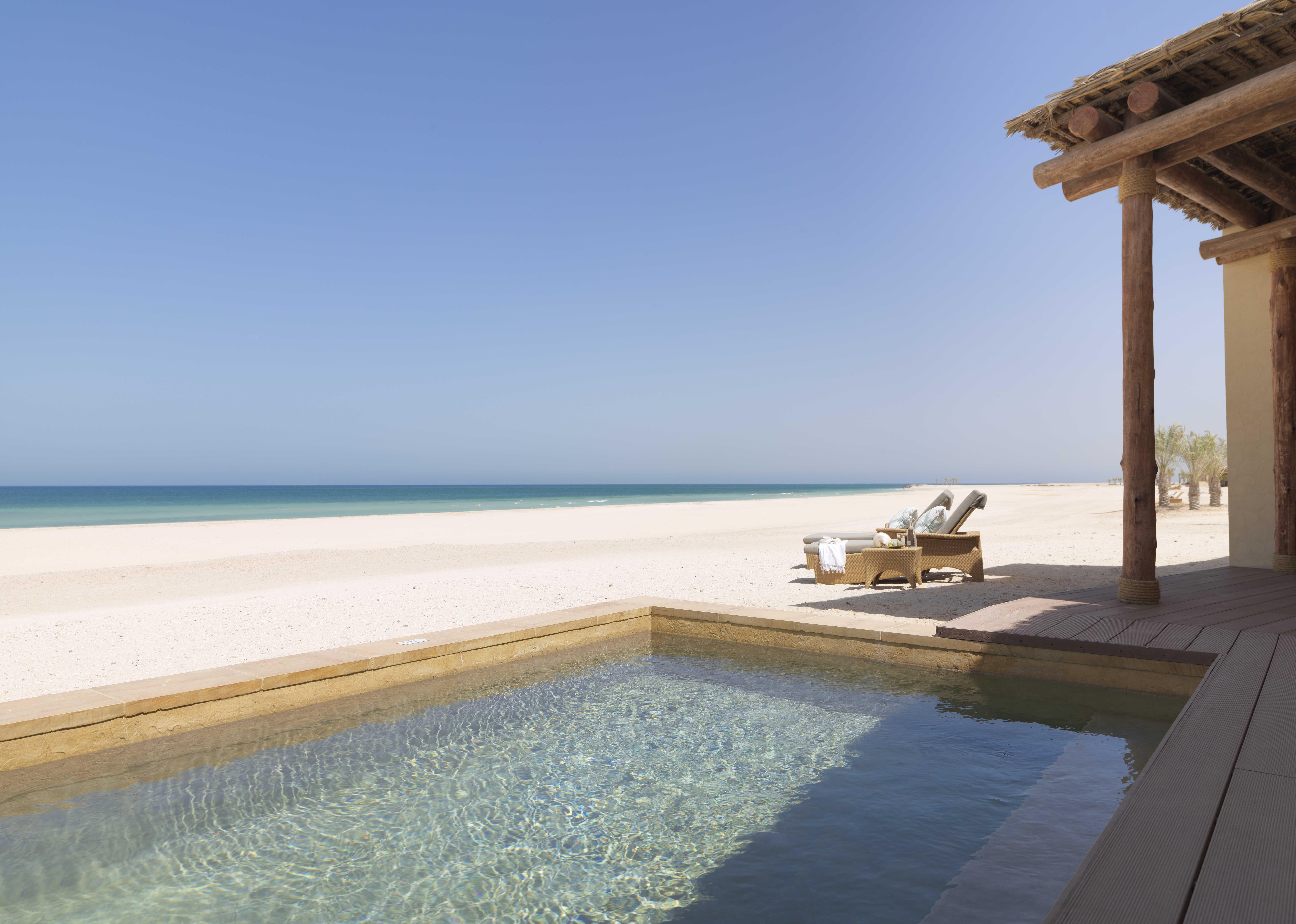 anantara sir bani yas island al yamm villa resort abu dhabi uae the luxury travel expert. Black Bedroom Furniture Sets. Home Design Ideas