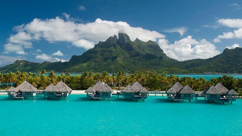 top 10  best luxury resorts in bora bora
